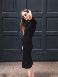 black-minimal
