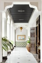 elegant-and-luxurious-moroccan-inspired-porch