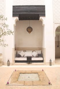 traditional-moroccan-nook-for-sitting-in-the-courtyard-modern-moroccan
